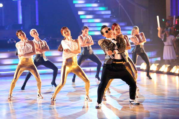 "<div class=""meta ""><span class=""caption-text "">PSY performs his new song 'Gentlemen' on the 'Dancing With The Stars' season 16 finale on May 21, 2013. (ABC Photo/ Adam Taylor)</span></div>"