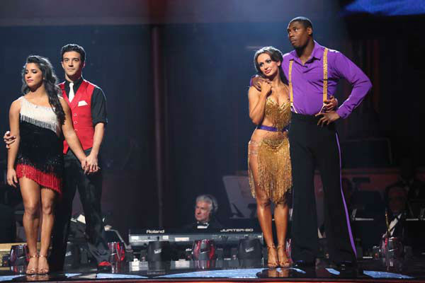 Alexandra Raisman, Mark Ballas, Karina Smirnoff and Jacoby Jones appear on the &#39;Dancing With The Stars&#39; season 16 finale on May 21, 2013. <span class=meta>(ABC Photo&#47; Adam Taylor)</span>