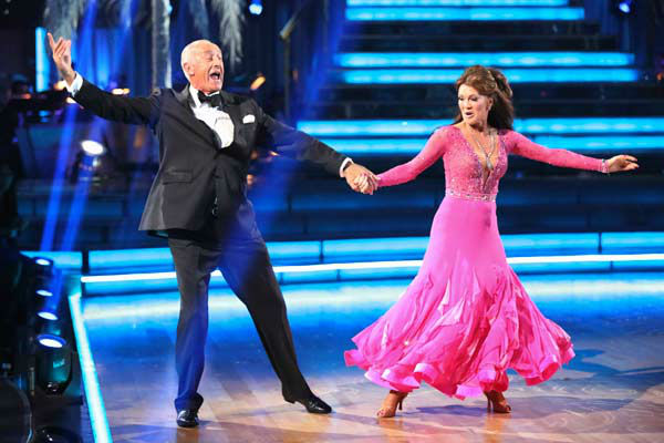 Former contestant and &#39;Real Housewives of Beverly Hills&#39; star Lisa Vanderpump performs with judge Len Goodman on the &#39;Dancing With The Stars&#39; season 16 finale on May 21, 2013. <span class=meta>(ABC Photo&#47; Adam Taylor)</span>