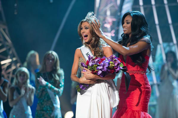 Miss Connecticut USA 2013, Erin Brady of East Hampton, is crowned Miss USA 2013 by Miss USA 2012, Nana Meriwether, at the conclusion of the 2013 MISS USA Competition at PH Live in Las Vegas, Nevada on Sunday June 16, 2013.  <span class=meta>(Miss Universe Organization L.P. &#47; Greg Harbaugh)</span>