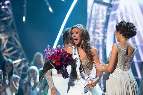 Miss Connecticut USA 2013, Erin Brady of East Hampton, is announced as Miss USA 2013, and congratulated Miss Universe 2012, at the conclusion of the 2013 MISS USA Competition at PH Live in Las Vegas, Nevada on Sunday June 16, 2013.  <span class=meta>(Miss Universe Organization L.P. &#47; Greg Harbaugh)</span>