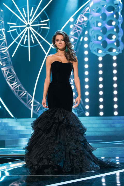 "<div class=""meta ""><span class=""caption-text "">Miss Alabama USA 2013, Mary Margaret McCord, competes in her evening gown during the 2013 MISS USA Competition at PH Live in Las Vegas, Nevada on Sunday June 16, 2013. (Photo/Patrick Prather)</span></div>"