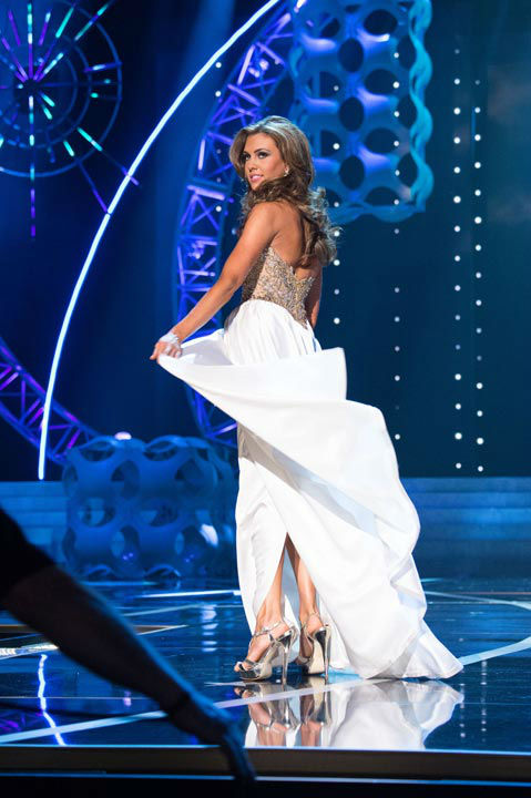 "<div class=""meta ""><span class=""caption-text "">Miss Connecticut USA 2013, Erin Brady, competes in her evening gown during the 2013 MISS USA Competition at PH Live in Las Vegas, Nevada on Sunday June 16, 2013.  (Photo/Patrick Prather)</span></div>"