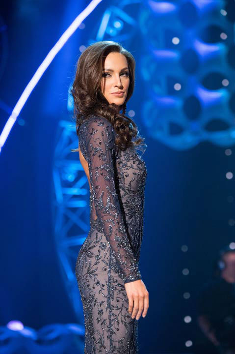 "<div class=""meta ""><span class=""caption-text "">Miss Illinois USA 2013, Stacie Juris, competes in her evening gown during the 2013 MISS USA Competition at PH Live in Las Vegas, Nevada on Sunday June 16, 2013.  (Photo/Patrick Prather)</span></div>"
