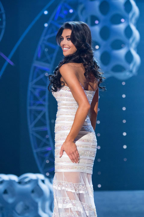 "<div class=""meta ""><span class=""caption-text "">Miss Utah USA 2013, Marissa Powell, competes in her evening gown during the 2013 MISS USA Competition at PH Live in Las Vegas, Nevada on Sunday June 16, 2013.  (Photo/Patrick Prather)</span></div>"
