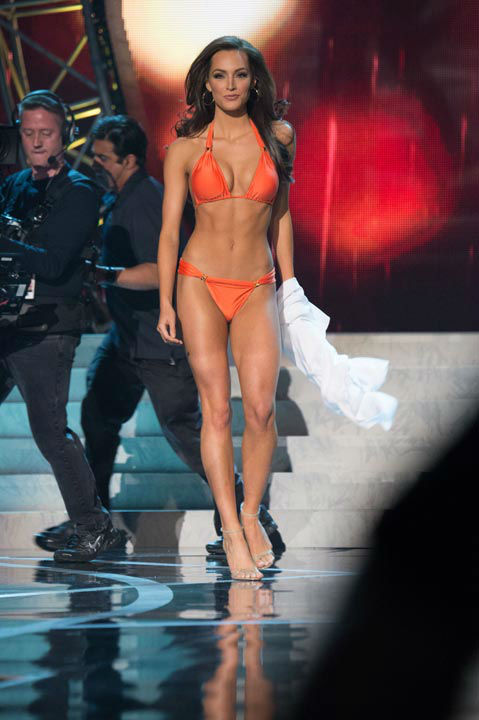 Miss Illinois USA 2013, Stacie Juris, competes in her ViX Paula Hermanny swimsuit during the 2013 MISS USA Competition at PH Live in Las Vegas, Nevada on Sunday June 16, 2013. <span class=meta>(Photo&#47;Richard Harbaugh)</span>