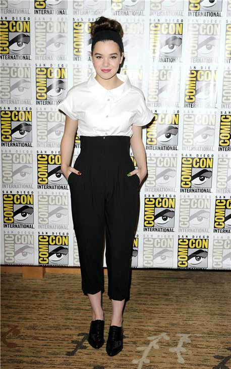 Hailee Steinfeld appears at the &#39;Ender&#39;s Game&#39; panel at San Diego Comic-Con on July 18, 2013. <span class=meta>(Daniel Robertson&#47;startraksphoto.com)</span>