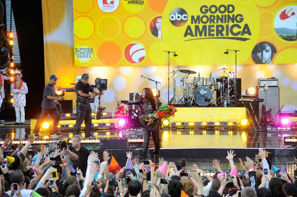 "<div class=""meta image-caption""><div class=""origin-logo origin-image ""><span></span></div><span class=""caption-text"">Selena Gomez performs live from New York City's Central Park on ABC's 'Good Morning America' ('GMA') on July 26, 2013. (ABC Photo/ Donna Svennevik)</span></div>"