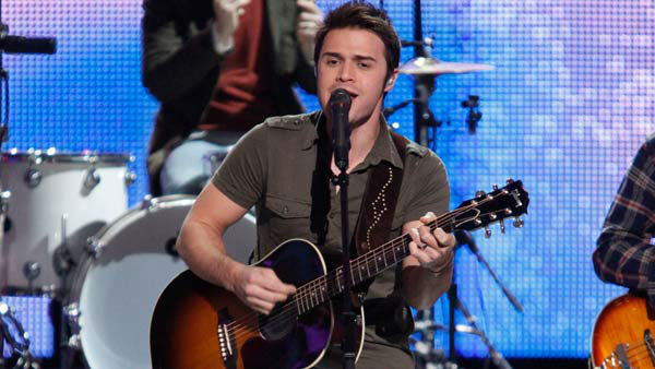 Kris Allen performing on the Dec. 8, 2009 episode of FOX's 'So You Think Yo