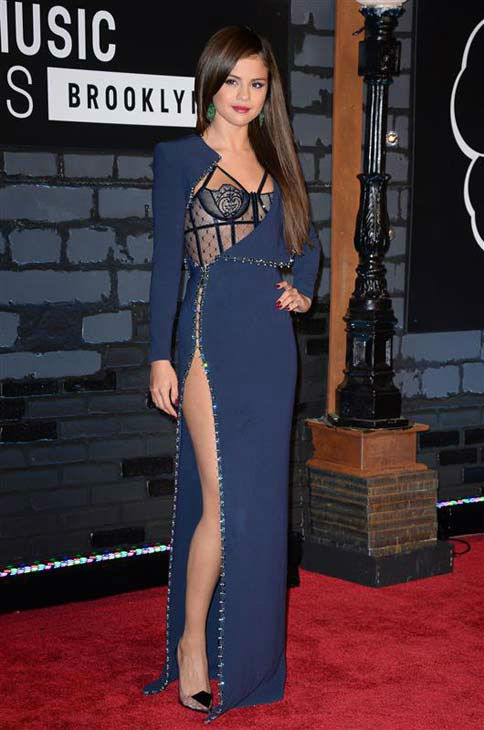 "<div class=""meta image-caption""><div class=""origin-logo origin-image ""><span></span></div><span class=""caption-text"">Selena Gomez appears at the 2013 MTV Video Music Awards in Brooklyn, New York on Aug. 25, 2013.  (Lionel Hahn / startraksphoto.com)</span></div>"