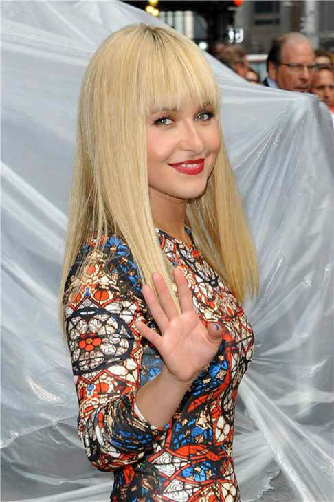 &#39;Nashville&#39; star Hayden Panettiere debuted blunt platinum blonde bangs at a taping of &#39;The Late Show With David Letterman&#39; on Aug. 28, 2013. <span class=meta>(Bill Davila&#47; startraksphoto.com)</span>