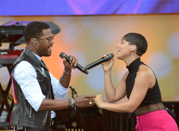Alicia Keys and Maxwell perform &#39;Fire We Make&#39; live from New York City&#39;s Central Park on ABC&#39;s &#39;Good Morning America&#39; &#40;&#39;GMA&#39;&#41; on Aug. 30, 2013. <span class=meta>(ABC Photo&#47; Ida Mae Astute)</span>