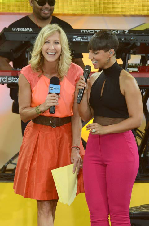 "<div class=""meta image-caption""><div class=""origin-logo origin-image ""><span></span></div><span class=""caption-text"">Alicia Keys talks to 'Good Morning America' co-host Lara Spencer after performing live from New York City's Central Park on Aug. 30, 2013. (ABC Photo/ Ida Mae Astute)</span></div>"