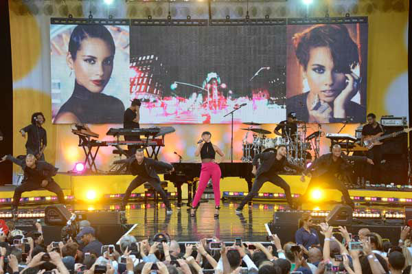 Alicia Keys performs live from New York City's Central Park on ABC's 'Good Morning America' ('GMA') on Aug. 30, 2013.