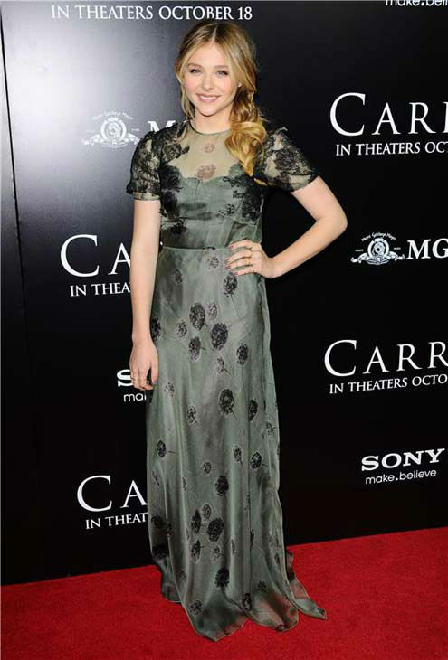 Julianne Moore appears in a Valentino gown at the premiere of &#39;Carrie&#39; in Los Angeles, California on Oct. 7, 2013. <span class=meta>(Sara De Boer &#47; startraksphoto.com)</span>