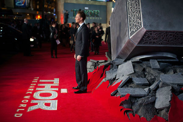 Actor Tom Hiddleston appears at the global premiere for &#39;Marvel&#39;s Thor: The Dark World&#39; at Odeon Leicester Square on October 22, 2013 in London, England. <span class=meta>(David Dettmann &#47; Walt Disney Studios)</span>
