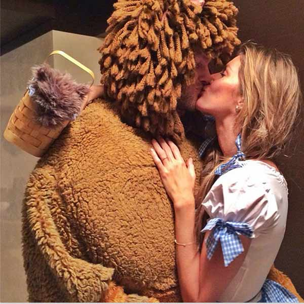 Model Gisele Bundchen and NFL player husband Tom Brady dressed as Dorothy and the Cowardly Lion from 'The Wizard of Oz' on Oct. 29, 2013.