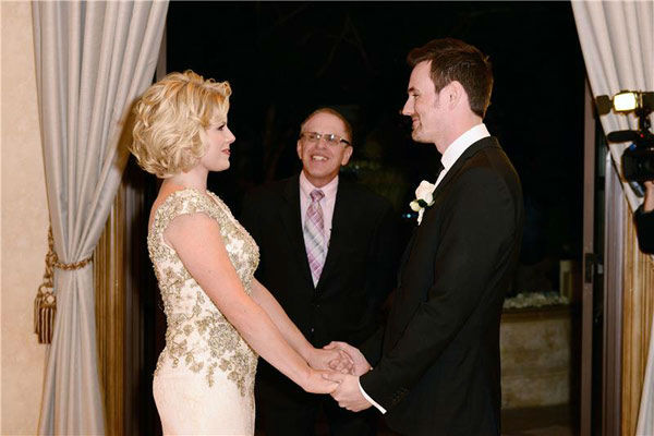 "<div class=""meta image-caption""><div class=""origin-logo origin-image ""><span></span></div><span class=""caption-text"">Megan Hilty appears at her wedding to boyfriend Brian Gallagher in Las Vegas on Nov. 2, 2013. Hilty wore a Badgley Mischka dress, while the groom appeared in J Linderberg.  (Michael Simon/startraksphoto.com)</span></div>"