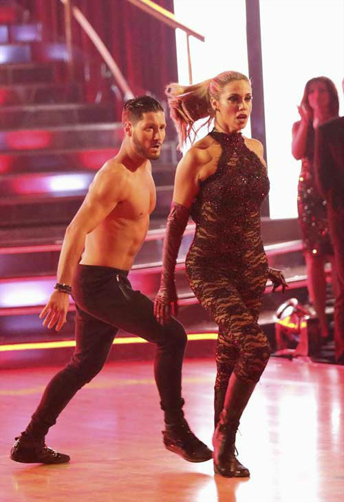"<div class=""meta ""><span class=""caption-text "">Elizabeth Berkley and Val Chmerkovskiy dance Jazz on week eight of 'Dancing With The Stars' on Nov. 4, 2013. They received 25 out of 30 points from the judges.  (ABC Photo/ Adam Taylor)</span></div>"