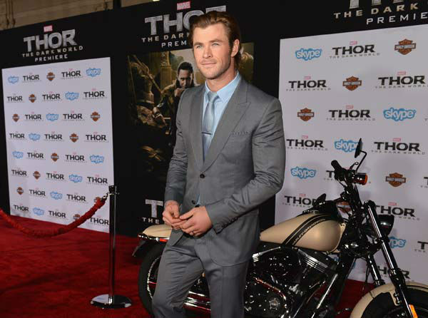 "<div class=""meta ""><span class=""caption-text "">Chris Hemsworth appears at the 'Thor: The Dark World' premiere in Los Angeles, California on Nov. 4, 2013.  (Alberto E. Rodriguez / Disney)</span></div>"