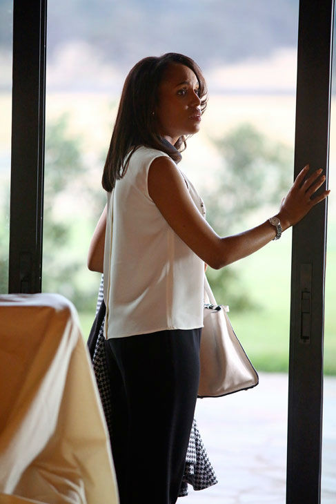 "<div class=""meta ""><span class=""caption-text "">Kerry Washington appears in a scene from 'Scandal' episode 308: 'Vermont is for Lover's, Too,' which is set to air on Nov. 21, 2013. (ABC Photo/ Michael Ansell)</span></div>"