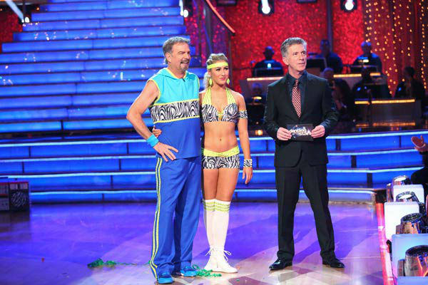"<div class=""meta image-caption""><div class=""origin-logo origin-image ""><span></span></div><span class=""caption-text"">Bill Engvall and Emma Slater danced the Cha Cha Cha on week 10 of 'Dancing With The Stars' on Nov. 18, 2013. They received 28 out of 40 points from the judges. The two later received 32 out of 40 for their second routine, an Argentine Tango. (ABC Photo/ Adam Taylor)</span></div>"