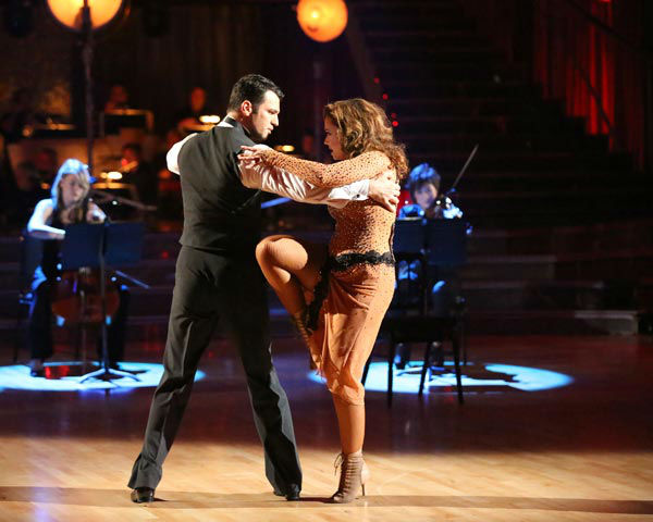 "<div class=""meta image-caption""><div class=""origin-logo origin-image ""><span></span></div><span class=""caption-text"">Leah Remini and Tony Dovolani dance the Argentine Tango on week 10 of 'Dancing With The Stars' on Nov. 18, 2013. They received 33 out of 40 points from the judges. The two received 32 out of 40 for their first routine, a Rumba. (ABC Photo/ Adam Taylor)</span></div>"