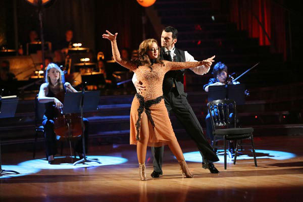 "<div class=""meta ""><span class=""caption-text "">Leah Remini and Tony Dovolani dance the Argentine Tango on week 10 of 'Dancing With The Stars' on Nov. 18, 2013. They received 33 out of 40 points from the judges. The two received 32 out of 40 for their first routine, a Rumba. (ABC Photo/ Adam Taylor)</span></div>"