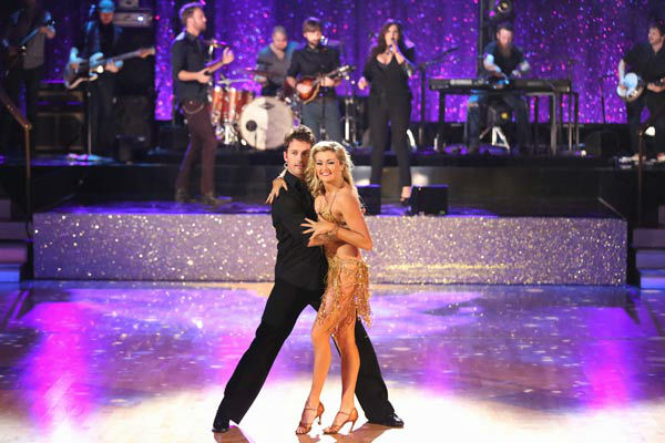 "<div class=""meta image-caption""><div class=""origin-logo origin-image ""><span></span></div><span class=""caption-text"">Lady Antebellum performed 'Compass' on the season 17 finale of 'Dancing With The Stars' on Nov. 26, 2013. (ABC Photo/ Adam Taylor)</span></div>"
