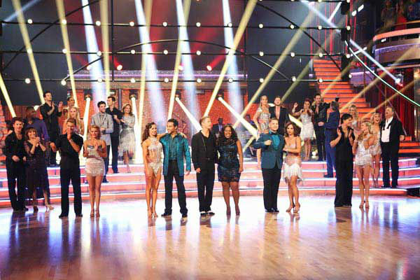The entire celebrity cast returned for the season 17 finale of 'Dancing With The Stars' on Nov. 26, 2013.