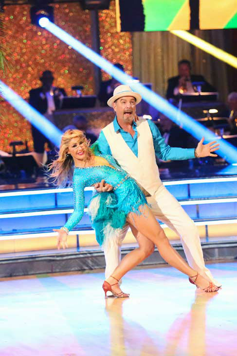 Bill Engvall and Emma Slater returned to the ballroom to perform on the season 17 finale of &#39;Dancing With The Stars&#39; on Nov. 26, 2013. <span class=meta>(ABC Photo&#47; Adam Taylor)</span>