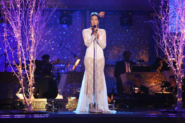 Colbie Caillat performed &#39;What a Wonderful World&#39; on the season 17 finale of &#39;Dancing With The Stars&#39; on Nov. 26, 2013. <span class=meta>(ABC Photo&#47; Adam Taylor)</span>