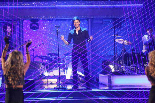 Enrique Iglesias performed &#39;Heart Attack&#39; on the season 17 finale of &#39;Dancing With The Stars&#39; on Nov. 26, 2013. <span class=meta>(ABC Photo&#47; Adam Taylor)</span>