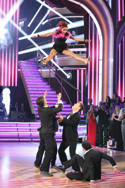 Nicole &#39;Snooki&#39; Polizzi and Sasha Farber returned to the ballroom to perform on the season 17 finale of &#39;Dancing With The Stars&#39; on Nov. 26, 2013. <span class=meta>(ABC Photo&#47; Adam Taylor)</span>