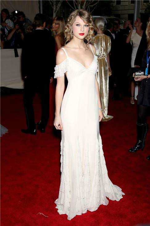 "<div class=""meta image-caption""><div class=""origin-logo origin-image ""><span></span></div><span class=""caption-text"">Taylor Swift appears at the 2010 Costume Institute Gala at the Metropolitan Museum of Art in New York City on May 3, 2010. (Marion Curtis / startraksphoto.com)</span></div>"