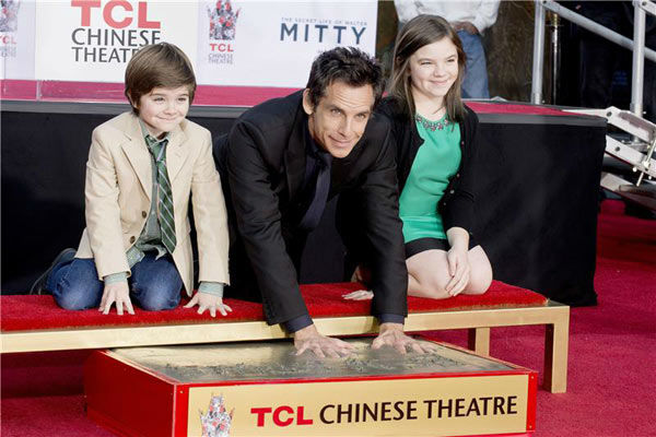 "<div class=""meta ""><span class=""caption-text "">Ben Stiller and his children Quinlin Stiller and Ella Stiller appear at Stiller's hand and footprint ceremony at the TCL Chinese Theatre in Los Angeles on Dec. 3, 2013. (Lionel Hahn/Abacausa/startraksphoto.com)</span></div>"