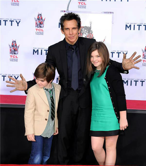 "<div class=""meta ""><span class=""caption-text "">Ben Stiller and his children Quinlin Stiller and Ella Stiller appear at Stiller's hand and footprint ceremony at the TCL Chinese Theatre in Los Angeles on Dec. 3, 2013. (Daniel Robertson/startraksphoto.com)</span></div>"