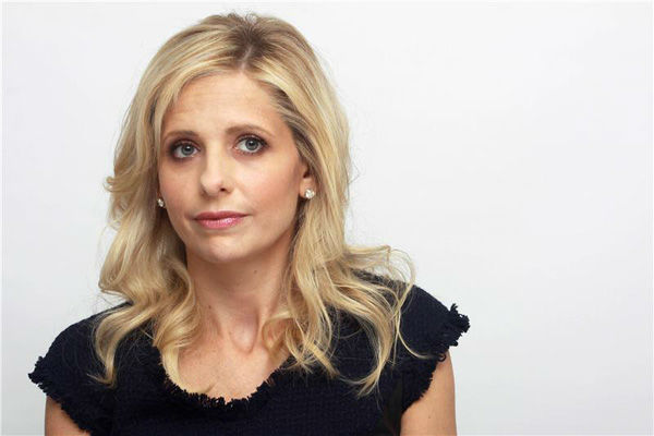 Sarah Michelle Gellar wrote this on her Twitter page about Nelson Mandela after hearing about his death on Dec. 5, 2013, &#39;#RIP Nelson Mandela. The best example of a human being I can think of. The world is a better place because of you. Thank you.&#39;  &#40;Pictured: Sarah Michelle Gellar appears at &#39;The Crazy Ones&#39; press conference in Los Angeles on Oct. 8, 2013.&#41; <span class=meta>(MUNAWAR HOSAIN &#47;startraksphoto.com)</span>