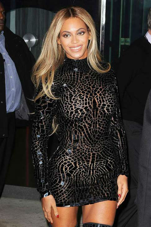 "<div class=""meta image-caption""><div class=""origin-logo origin-image ""><span></span></div><span class=""caption-text"">Beyonce appears at the screening of her new self-titled visual album in New York City on Dec. 21, 2013. (Humberto Carreno / startraksphoto.com)</span></div>"