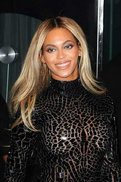 "<div class=""meta ""><span class=""caption-text "">Beyonce appears at the screening of her new self-titled visual album in New York City on Dec. 21, 2013. (Humberto Carreno / startraksphoto.com)</span></div>"