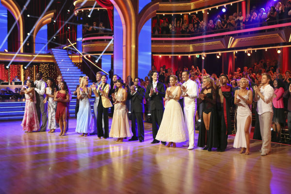 The cast of &#39;Dancing With The Stars&#39; season 16 appears on week 4 on April 8, 2013. <span class=meta>(ABC Photo &#47; Adam Taylor)</span>