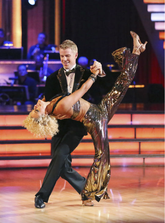 "<div class=""meta image-caption""><div class=""origin-logo origin-image ""><span></span></div><span class=""caption-text"">Former 'Bachelor' star Sean Lowe and his partner Peta Murgatroyd dance the Quickstep alongside pro dancers Tristan MacManus and Chelsie Hightower on week five of 'Dancing With The Stars' on April 15, 2013. They received 24 out of 30 points from the judges. (ABC Photo / Adam Taylor)</span></div>"