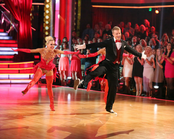 "<div class=""meta image-caption""><div class=""origin-logo origin-image ""><span></span></div><span class=""caption-text"">Former 'Bachelor' star Sean Lowe and his partner Peta Murgatroyd dance a Jazz trio with Sharna Burgess on week eight of 'Dancing With The Stars' on May 6, 2013. They received 21 out of 30 points. The pair received 21 out of 30 points for their previous dance on this episode, the Tango. Their total for the night was 42 out of 60. (ABC Photo / Adam Taylor)</span></div>"