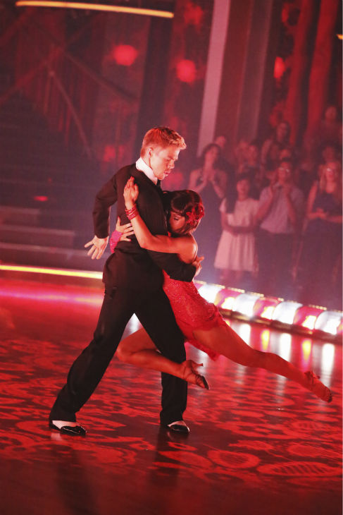 Kellie Pickler and Derek Hough perform an encore of their Argentine Tango on &#39;Dancing With The Stars: The Results Show&#39; on May 14, 2013. They had earned a a score of 30 out of 30 points for their performance on May 13, 2013. <span class=meta>(ABC Photo &#47; Adam Taylor)</span>