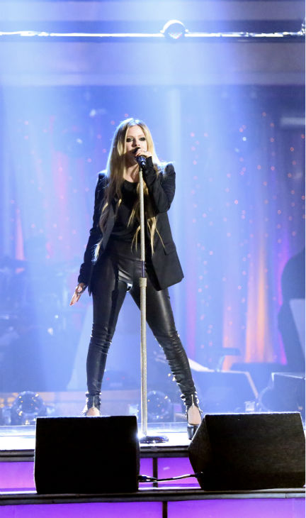 "<div class=""meta ""><span class=""caption-text "">Avril Lavigne performs her  song 'Here's To Never Growing Up' on 'Dancing With The Stars: The Results Show' on May 14, 2013. (ABC Photo / Adam Taylor)</span></div>"