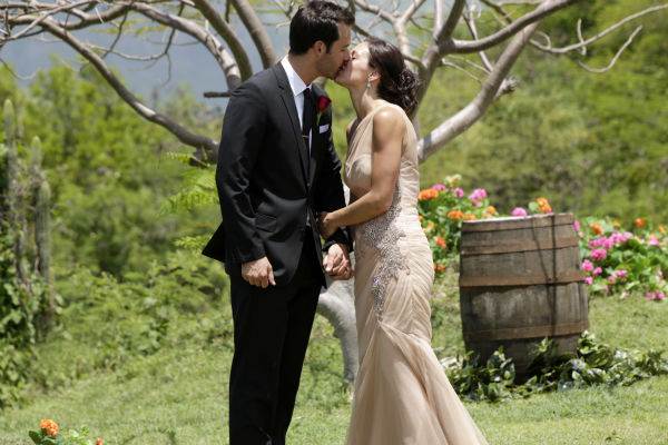 Desiree Hartsock and Chris Siegfried kiss on the finale of the ABC show &#39;The Bachelorette.&#39; She gave him her final rose and he proposed to her. The episode aired on Aug. 5, 2013. <span class=meta>(ABC Photo &#47; Francisco Roman)</span>