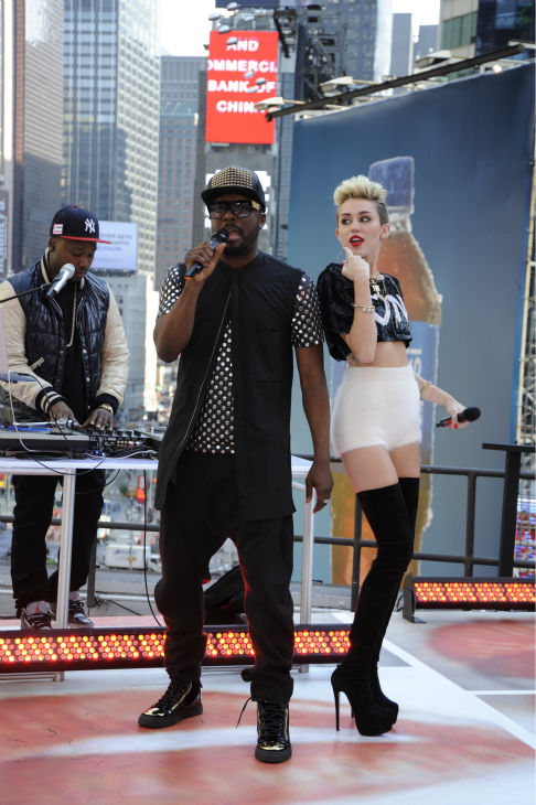 Miley Cyrus and will.i.am perform live on ABC&#39;s &#39;Good Morning America&#39; on June 26, 2013. <span class=meta>(Donna Svennevik &#47; ABC)</span>