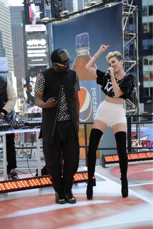 "<div class=""meta ""><span class=""caption-text "">Miley Cyrus and will.i.am perform live on ABC's 'Good Morning America' on June 26, 2013. (Donna Svennevik / ABC)</span></div>"