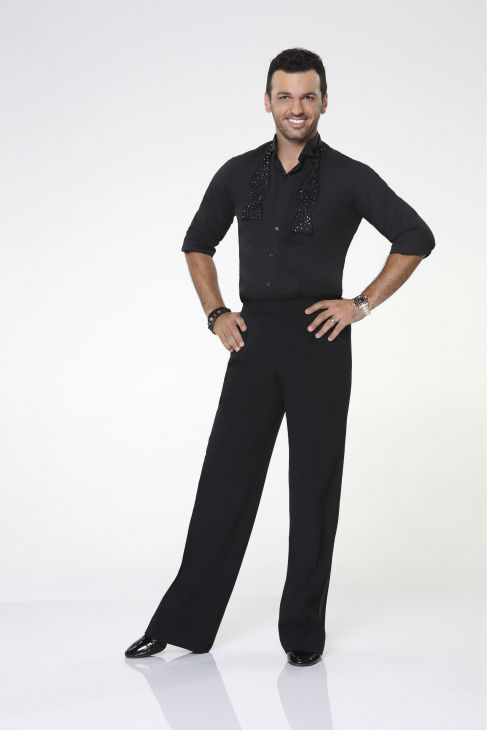 "<div class=""meta image-caption""><div class=""origin-logo origin-image ""><span></span></div><span class=""caption-text"">'Dancing With The Stars' pro-dancer Tony Dovolani appears in an official cast photo ahead of the Fall 2013 premiere of the ABC show. His partner is 'King of Queens' alum Leah Remini. (ABC Photo / Craig Sjodin)</span></div>"