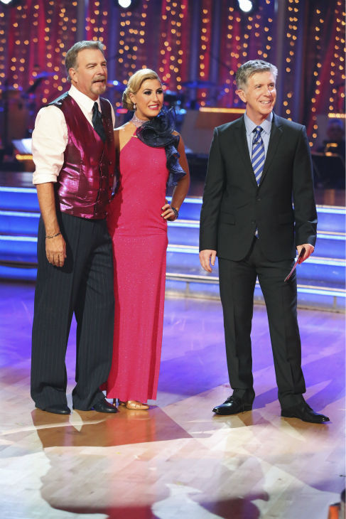 "<div class=""meta ""><span class=""caption-text "">Bill Engvall and Emma Slater danced the Foxtrot on week one of 'Dancing With The Stars' on Sept. 16, 2013. They received 18 out of 30 points from the judges. (ABC Photo / Adam Taylor)</span></div>"